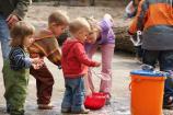 Auch die Kleinen lieben Seifenblasen