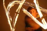 Die einen tanzen ihren Namen, die anderen schreiben ihn mit Feuerpois in die Luft!